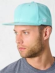 голубая кепка