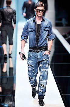 современные, рваные джинсы для мужчин