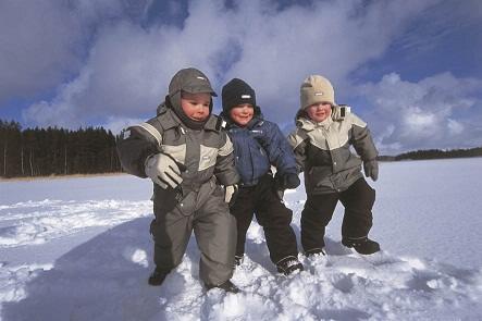 дети в финской одежде